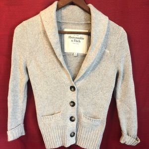 Abercrombie & Fitch XS Soft cardigan sweater